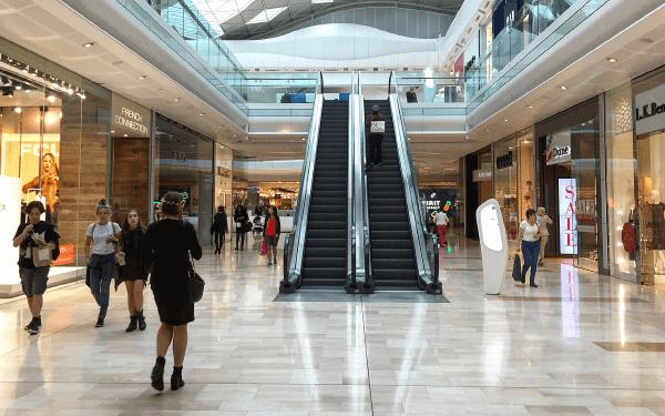 ショッピングモール・路面店・駅前店などで多くの運営実績。